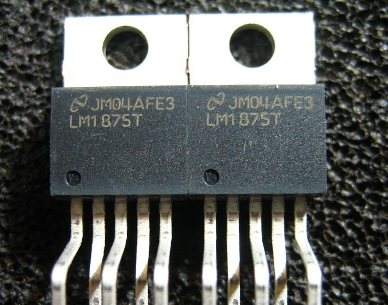 LM1875功放板由一个高低音分别控制的衰减式音调控制电路和LM1875放大电路以及电源供电电路三大部分组成,音调部分采用的是高低音分别控制的衰减式音调电路,其中的R02,R03,C02,C01,W02组成低音控制电路;C03,C04,W03组成高音控制电路;R04为隔离电阻,W01为音量控制器,调节放大器的音量大小,C05为隔直电容,防止后级的LM1875直流电位对前级音调电路的影响。放大电路主要采用LM1875,由1875,R08,R09,C066等组成,电路的放大倍数由R08与R09的比值决定,C0