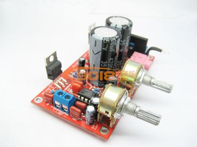 本套件采用两颗原装意法半导体(ST品牌)TDA2030A音频功率放大,低频信号放大及低频处理采用德州仪器(TI品牌)NE5532,电路设计灵活,可使用四种不同的应用方案,是初学者及爱好DIY朋友的最佳帮手。为方便用户连接音源设备,本套件采用了3.5立体声音频输入插座。两个电位器分别控制中高音音量与低音音量。本套件同时可兼容使用TDA2050、TDA2051、LM1875。PCB板使用高档双层玻纤板,沉铜喷锡工艺,做工精良,音质通透,低音低沉有力,是一款不可多得的好方案。 电源参数:交流双12V 功率30W