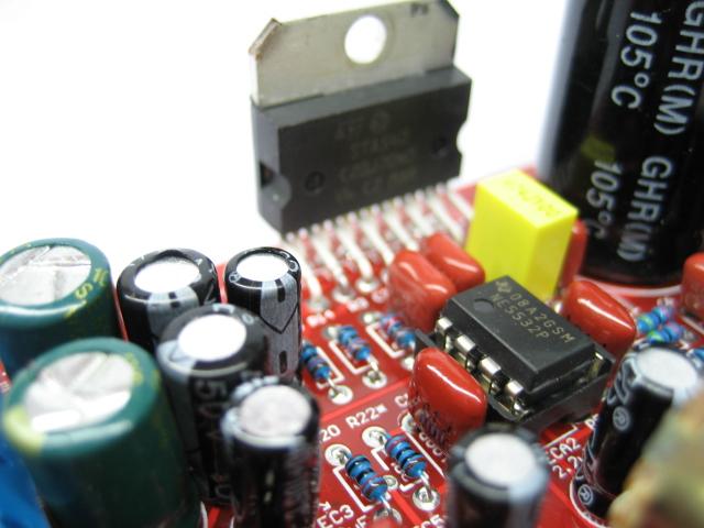 ne5532低音炮电路图